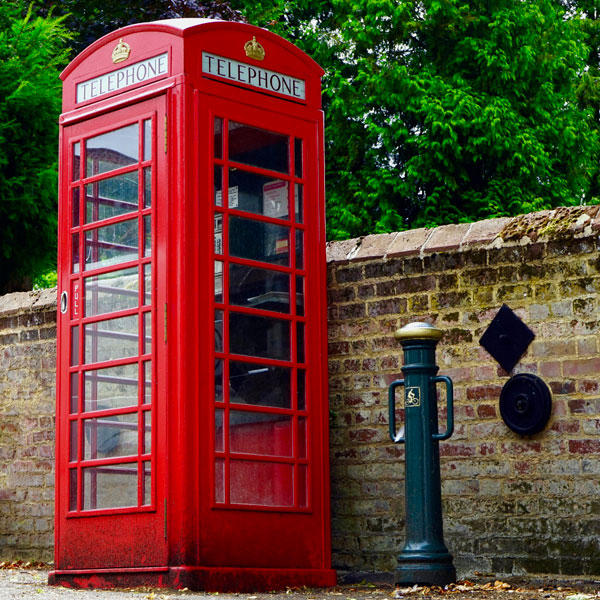 Typical British phone booth of that time. Many thanks to Mike for this photo from Pexels.